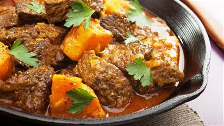 طريقة عمل طاجين اللحم بالبطاطس على الطريقة المغربية